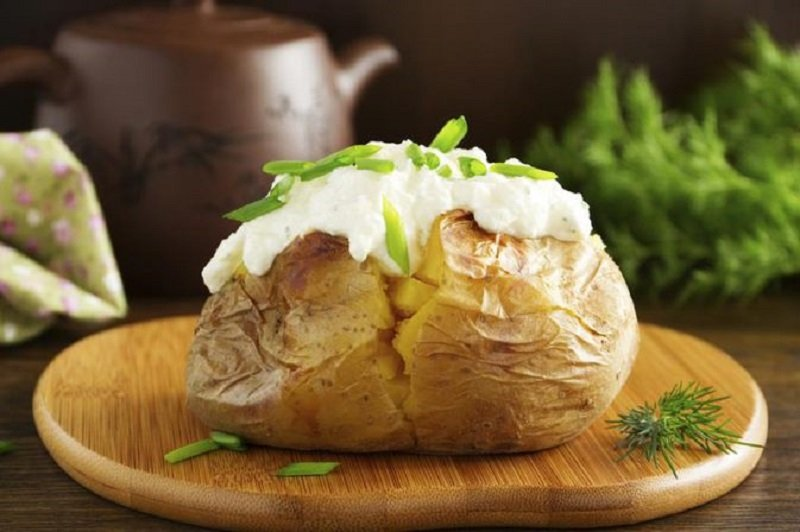 картофель в мундире запеченный с сыром
