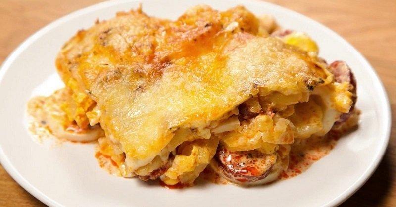 Рецепт приготовления картофельной запеканки с копчеными колбасками