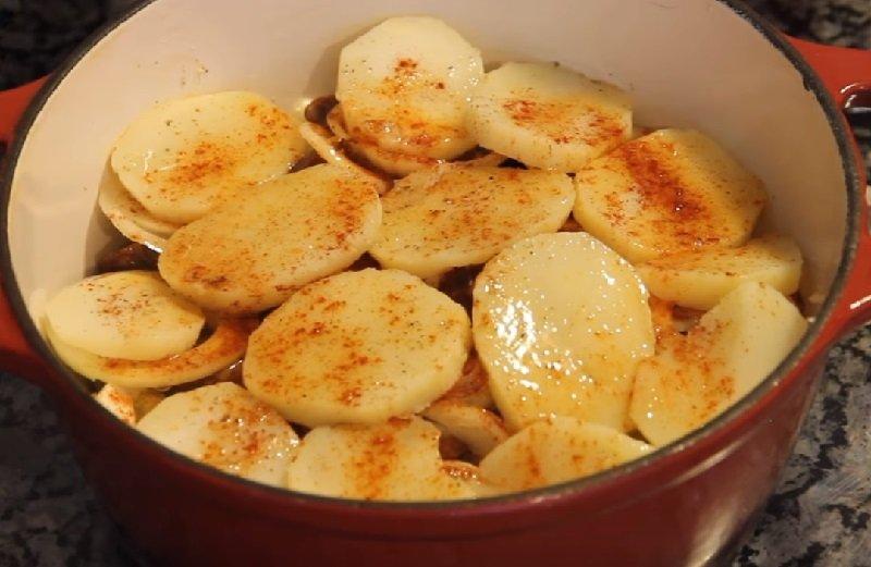 картофельная запеканка по венгерски с сыром