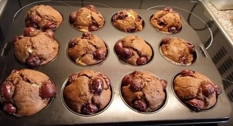 как приготовить кексы с вишней