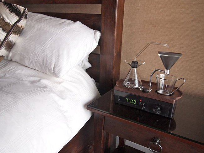 будильник кофеварка