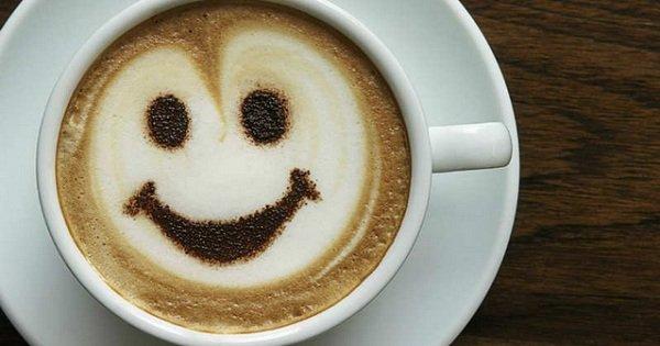 Доказано: кофе помогает бороться с депрессией и делает людей счастливыми.