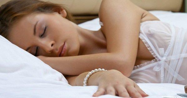 Красивая сестра спит порно 4641 фотография