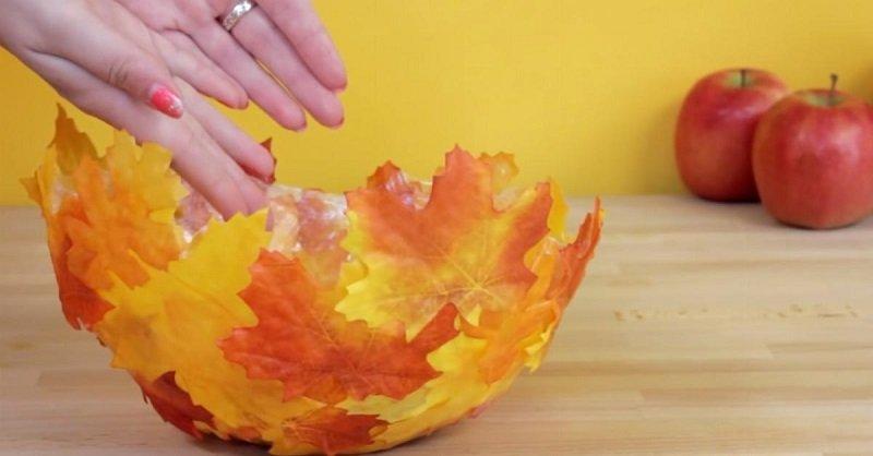 поделки из осенних листьев своими руками фото