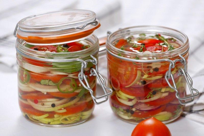 консервированные помидоры дольками
