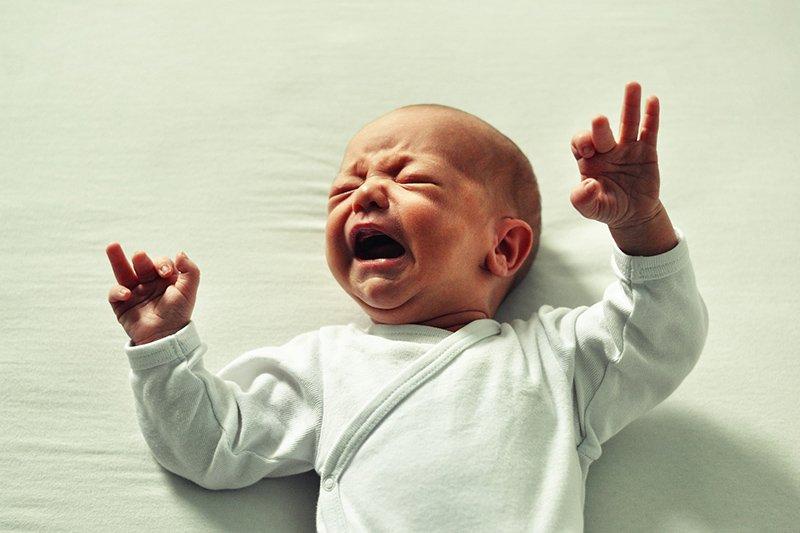 Кормление новорожденного грудным молоком прямо на свальбе