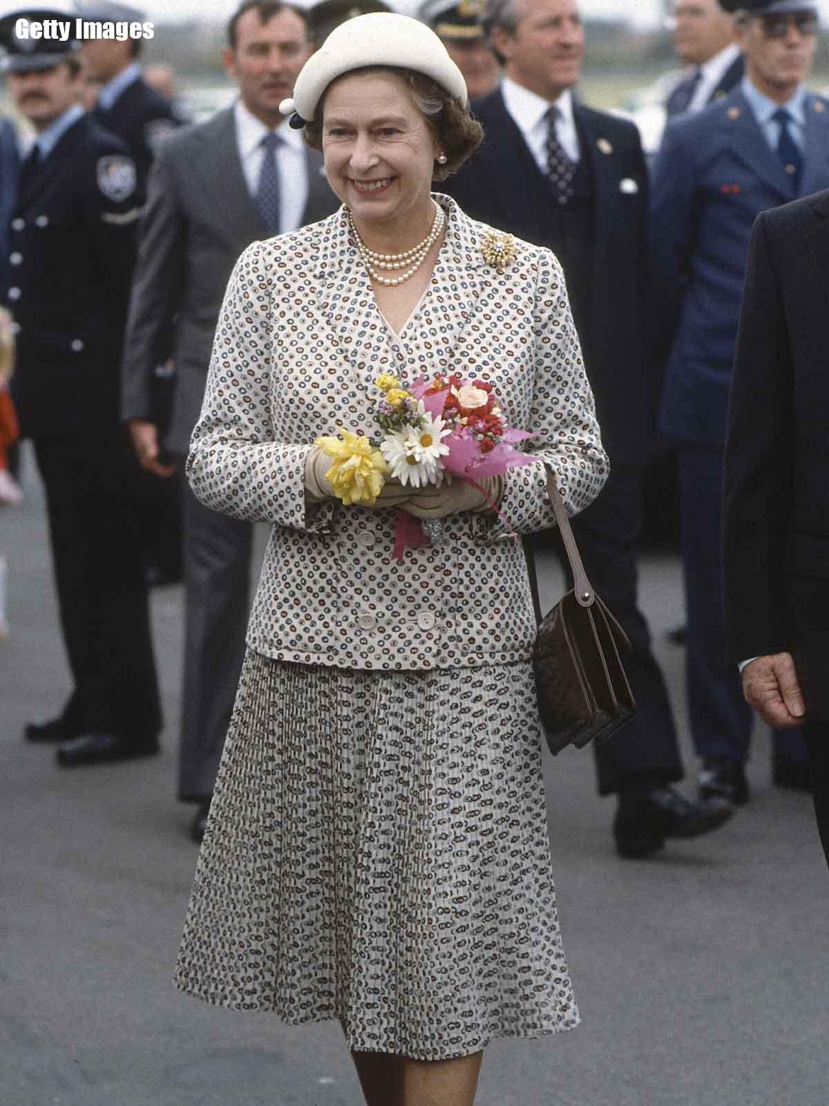 Стиль Елизаветы ІІ в молодые годы и чему стоит у нее поучиться