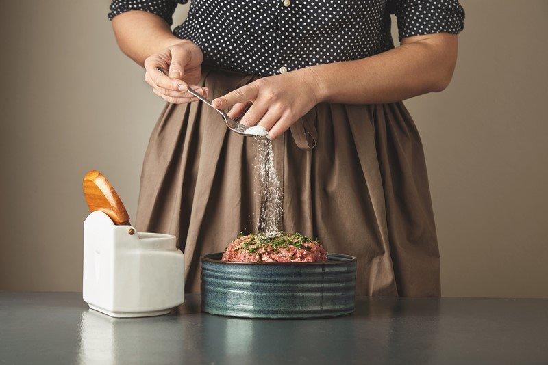 котлеты в духовке с овощами