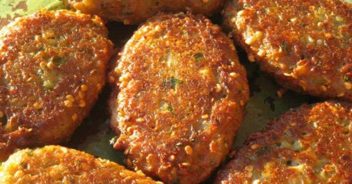 Как приготовить котлеты из баклажанов: ароматное и очень сытное блюдо.