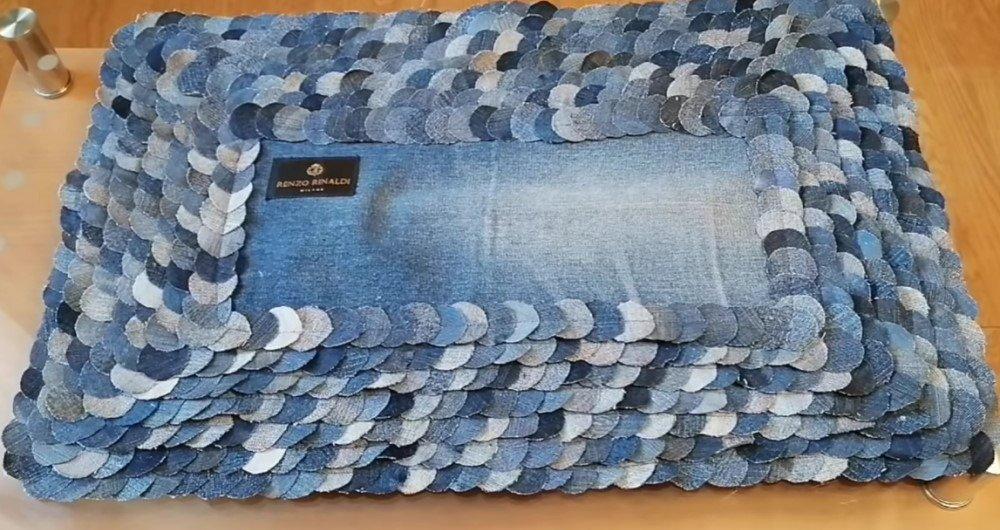 коврик из джинсовых полосок