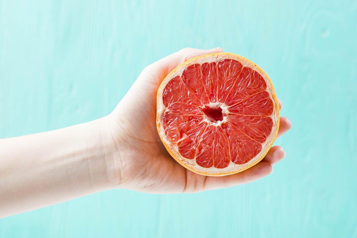 грейпфрут пополам