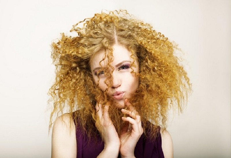 крапива для волос