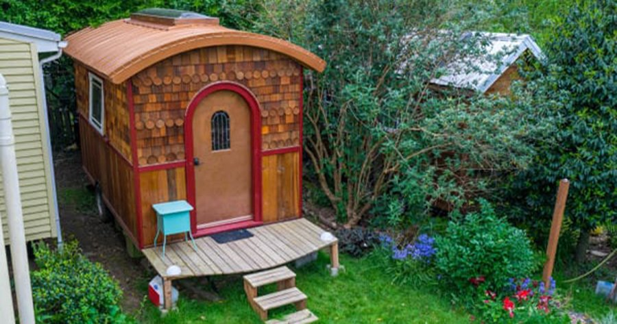 Площадь этого домика всего 10 кв. м, но настолько комфортабельное жилище еще нужно поискать!