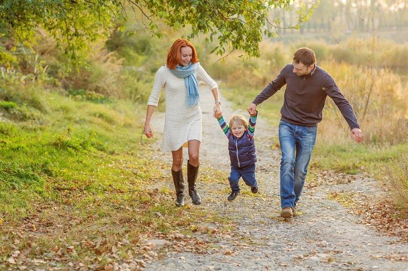 семья с ребенком фото