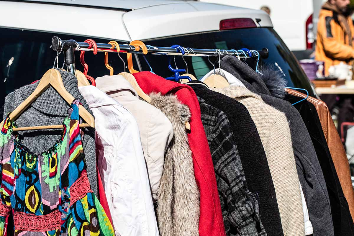 Если ты веришь в приметы и энергию вещей, не отдавай свою одежду даром