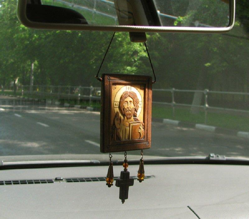 икона в машине