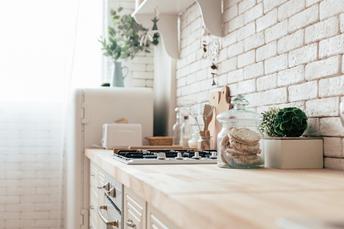 Правила оформления маленькой кухни в хрущевке