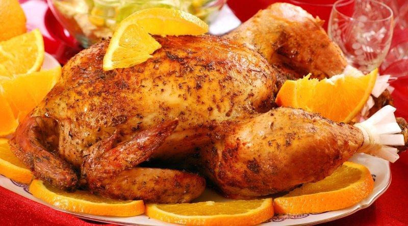 Козырное объедение для важного праздника: запеченная в апельсинах курица с хрустящей карамельной корочкой