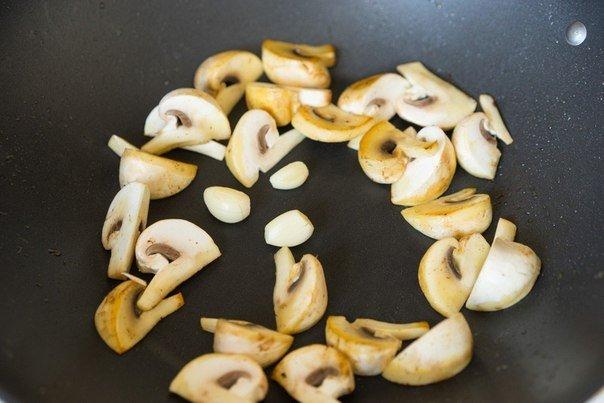 грибы в соусе
