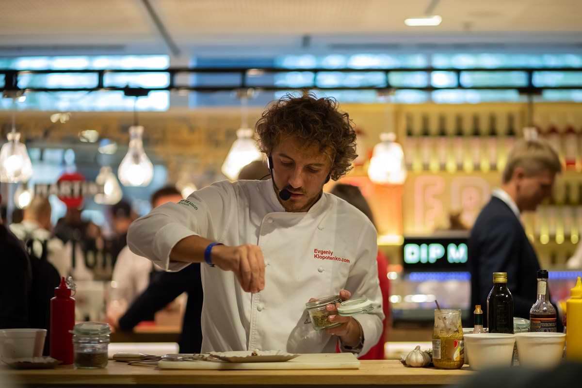 Подвизалась в итальянском ресторанчике и научилась готовить лучшую в мире куриную грудку