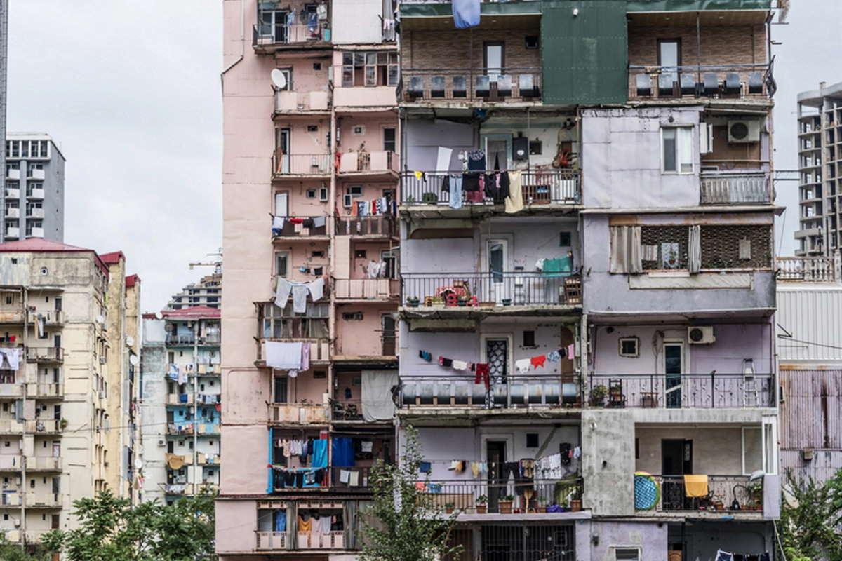 квартира без балкона минусы