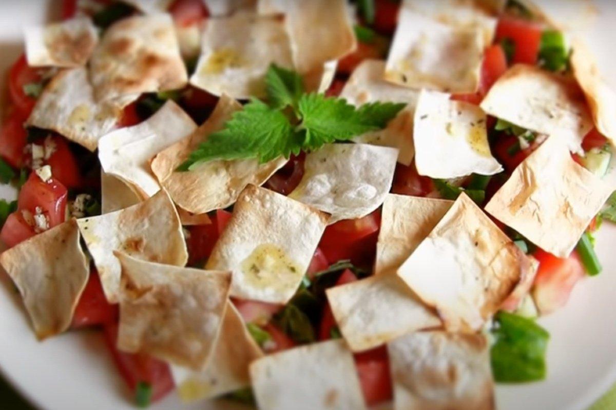 Ливанская домохозяйка научила, как делать летний салат со свежим вкусом Кулинария,Блюда,Еда,Овощи,Рецепты,Салаты