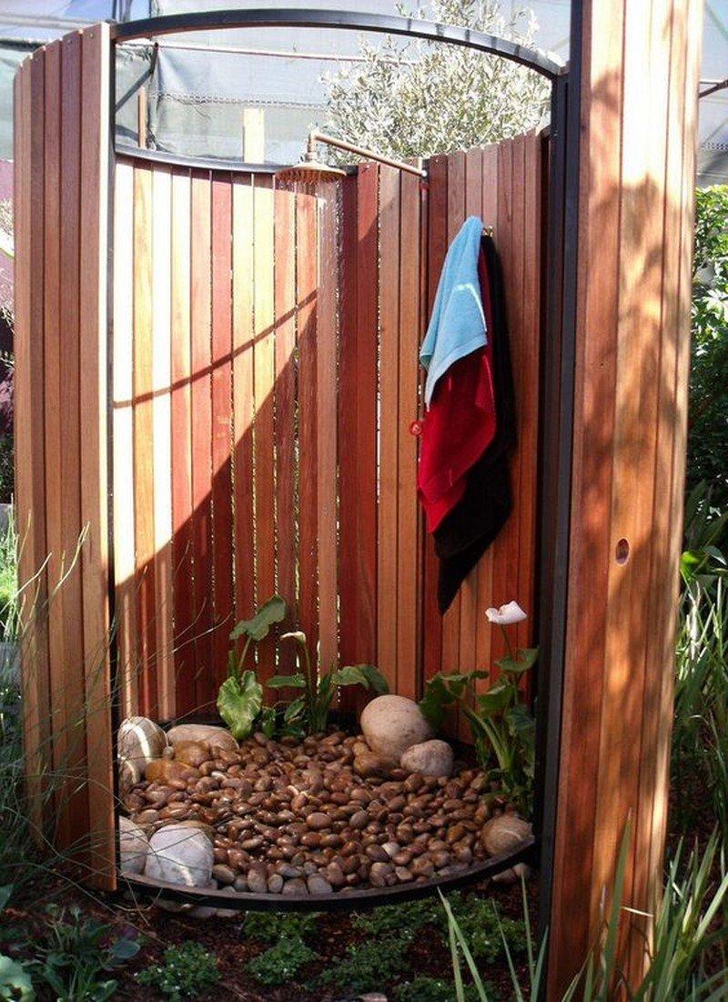 летний душ из камня