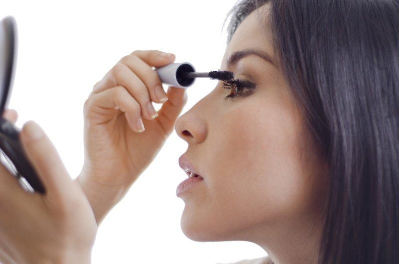 советы по макияжу для нависшего века