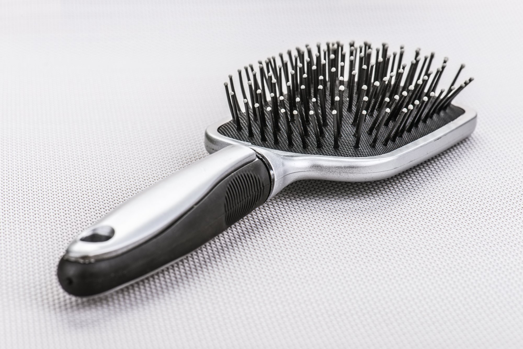 выбрать правильную расческу для волос