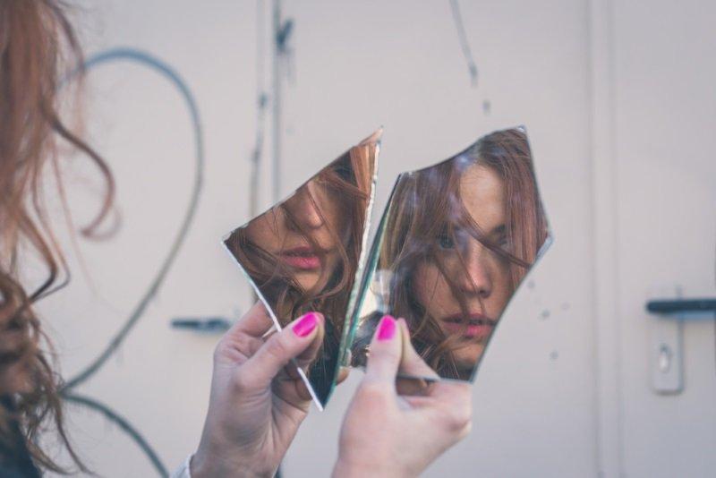 разговаривать с зеркалом