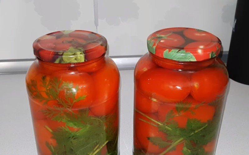 Рецепт помидоров с морковной ботвой