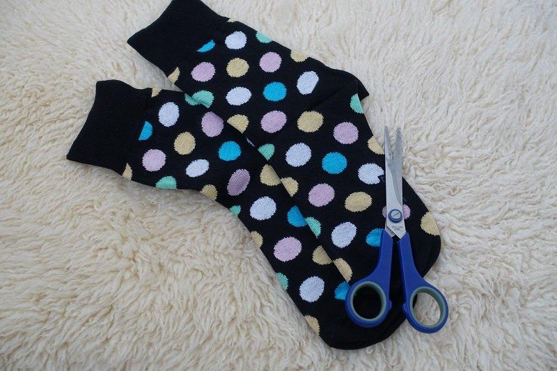 Удобная маска из носка, которую даже не нужно шить