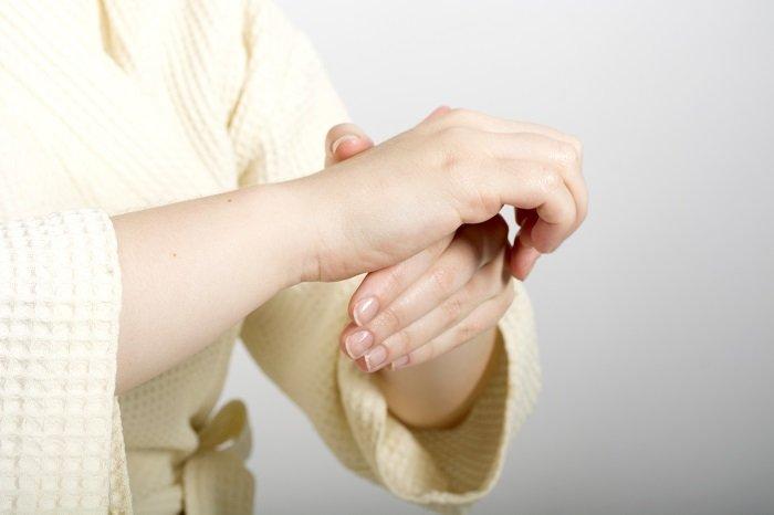 Кожен палець руки пов'язаний з двома органами тіла: японська 5-хвилинна методика зцілення!