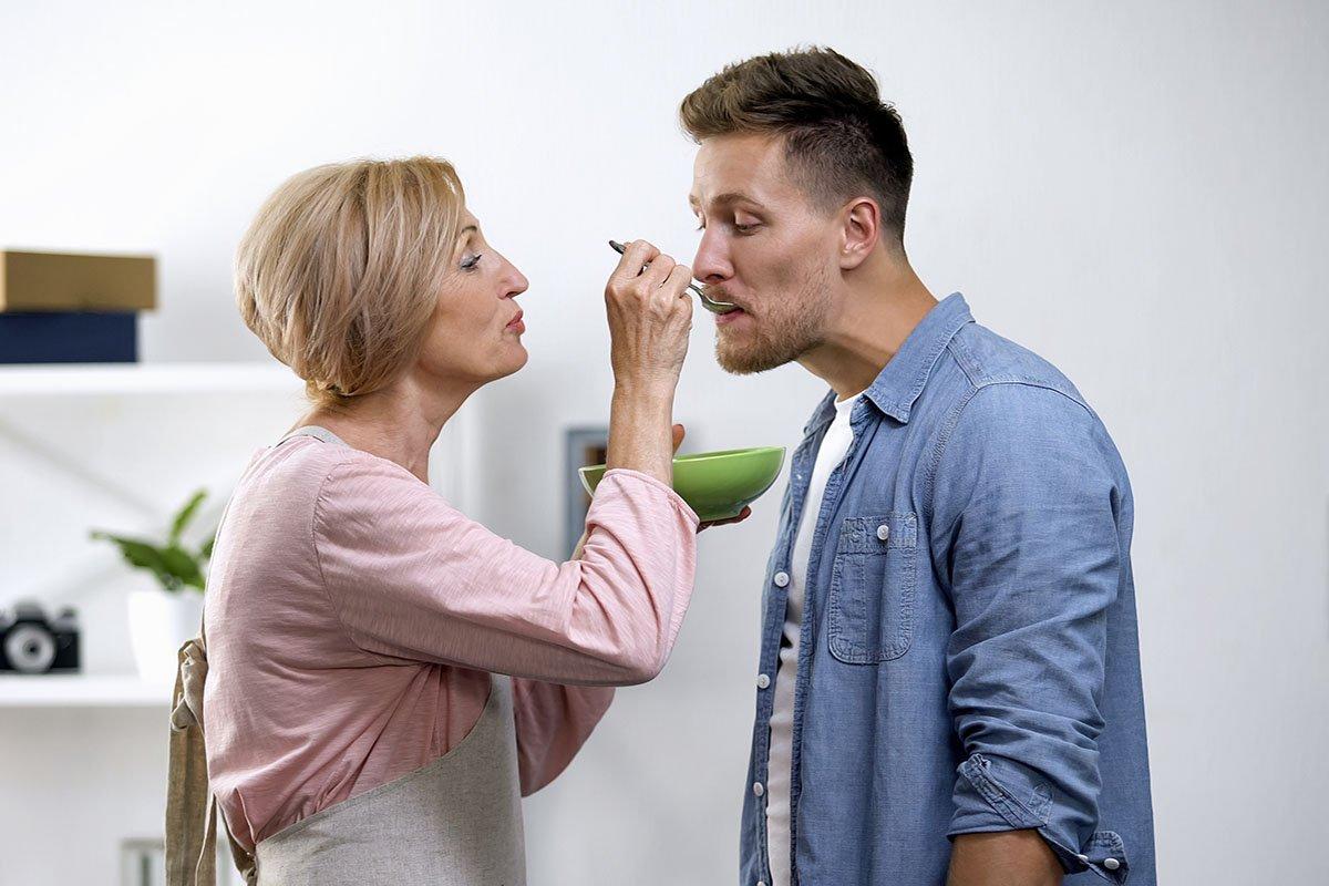 Обескураживающий ответ сына на терзания матери по поводу женитьбы и внуков