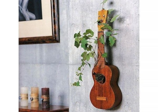 горшок для цветов из гитары