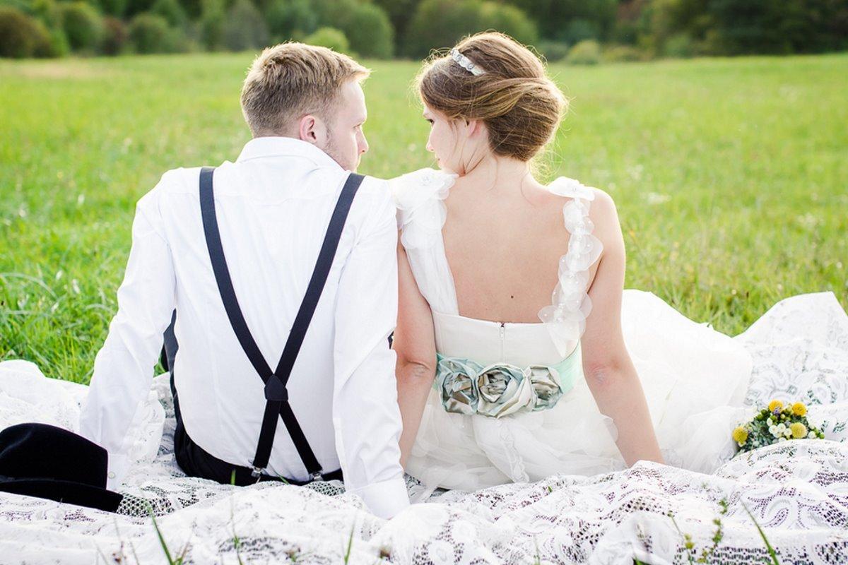 Менять ли фамилию при замужестве: современное мнение женщин