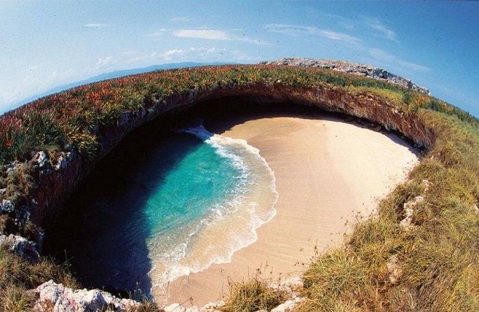 пляж Hidden Beach