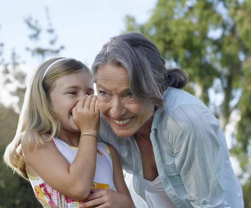 Бабушку не слушай! Мифы о детском здоровье, которые портят ребенку жизнь.