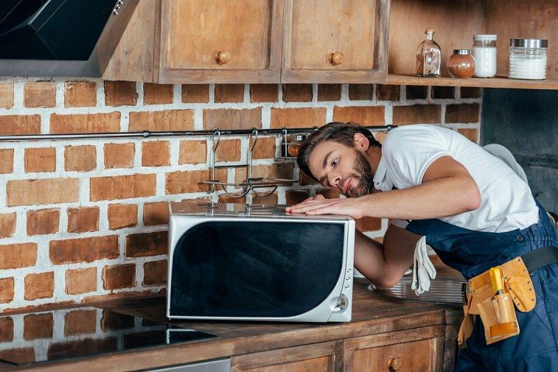 Где установить микроволновку на маленькой кухне