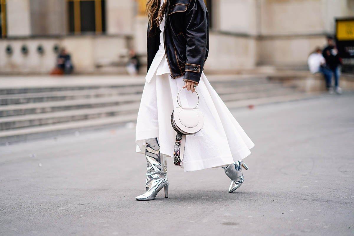серебристые ботинки