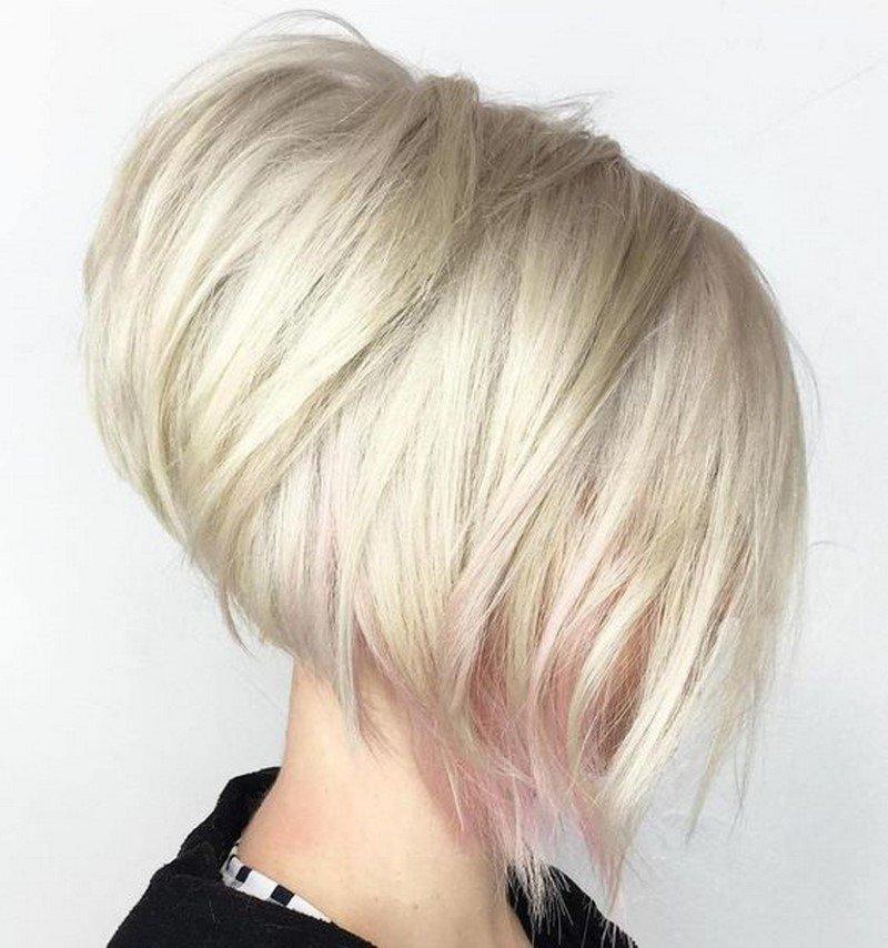 părul evidențiind pătratul
