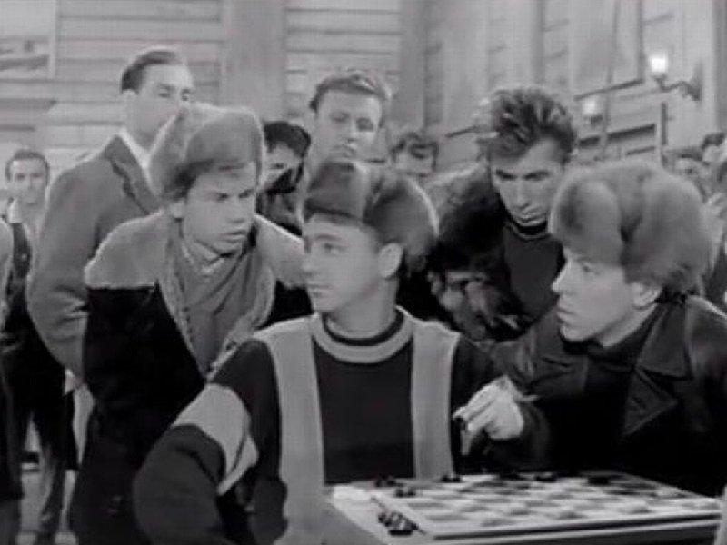 Модные меховые шапки: почему советские женщины их не снимали