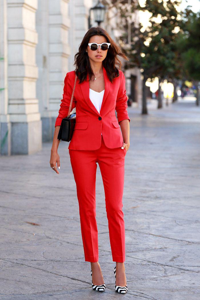 štýlový nohavicový kostým