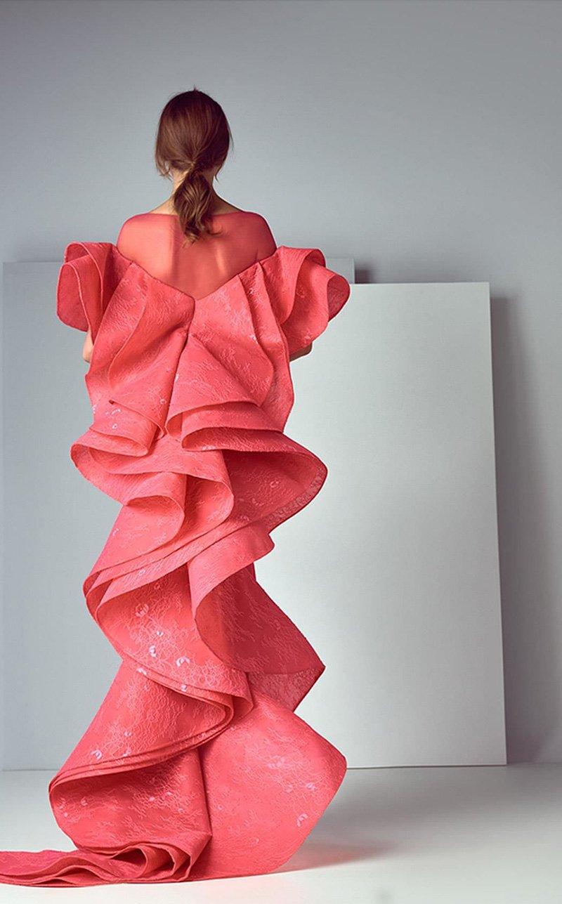 вечерние платья со шлейфом