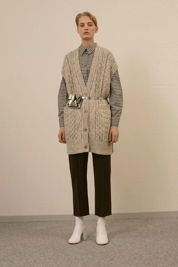 Модные вязаные жилеты