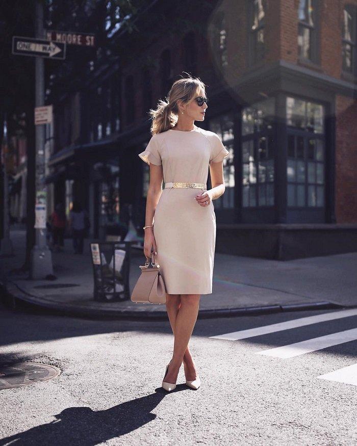 стильные женские платья и костюмы