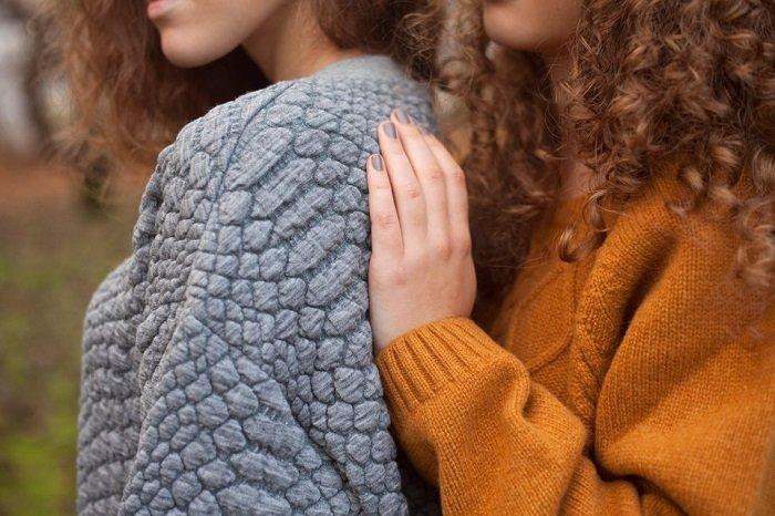 модные женские свитера и пуловеры