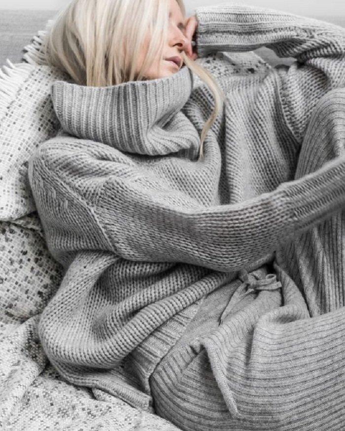 стильные женские свитера крупной вязки