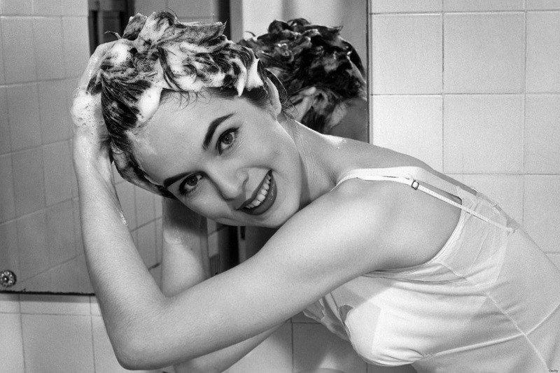 правильно мити голову шампунем