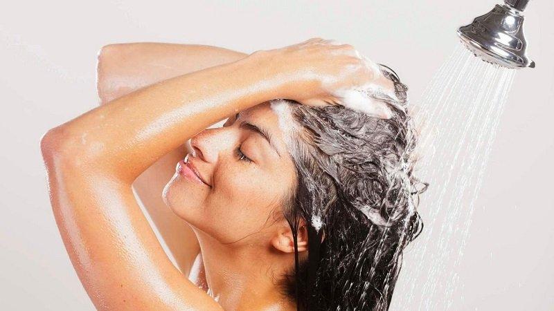 правильно мити голову